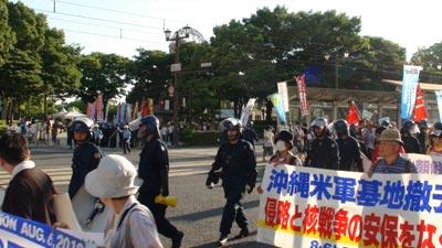2010年8月6日広島。平和記念式典と田母神講演会の裏で。
